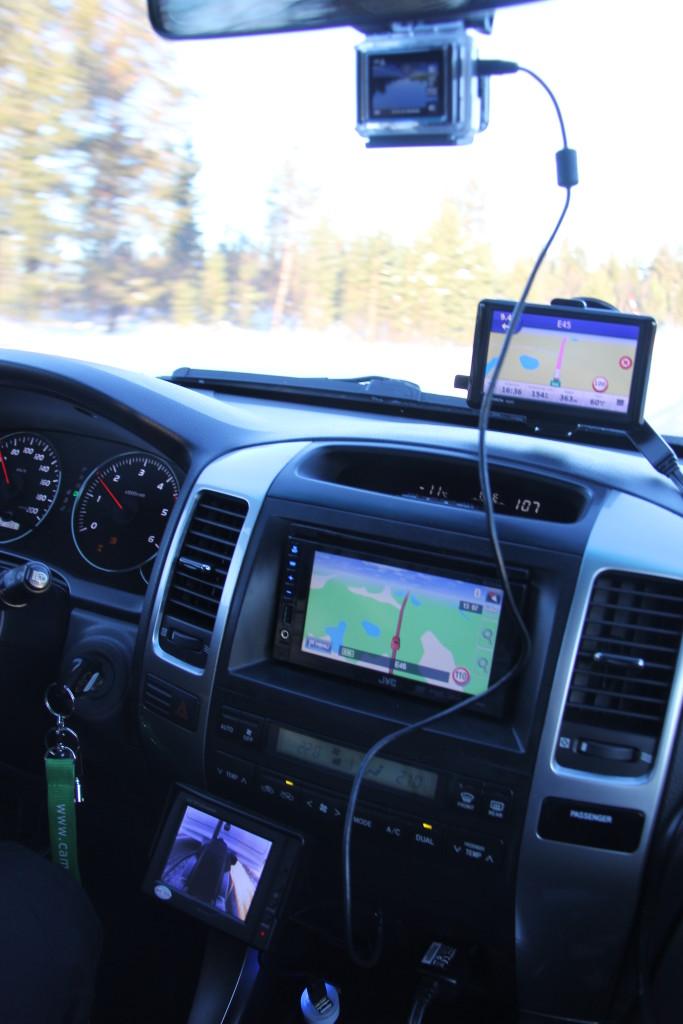 Nu da vi er kommet op i Renernes land har vi monteret et GoPro kamera i forruden, som jeg har brugte på en del af mine ture. Kameraet er rart at have og styres fra min Iphone, der fungerer som monitor for kameraet.