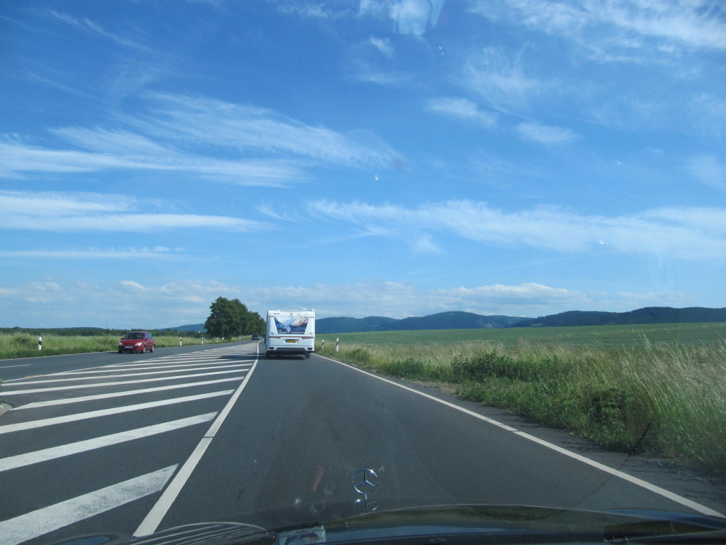 Det er bare så skønt når man forlader en overfyldt motorvej og begiver sig ud på landet, ja så et Tyskland lige pludselig herligt at køre i.
