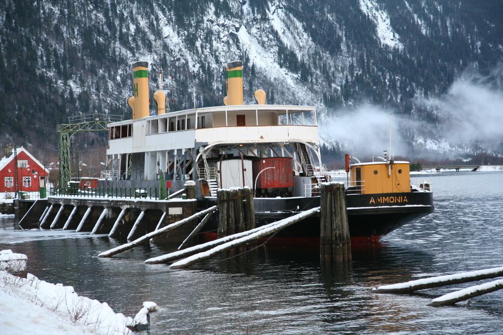 Den gamle færge Ammonia, togvognene, samt staionen Mæl er et stykke kulturhistorie som måske kan komme på UNESCOS verdensarv liste.