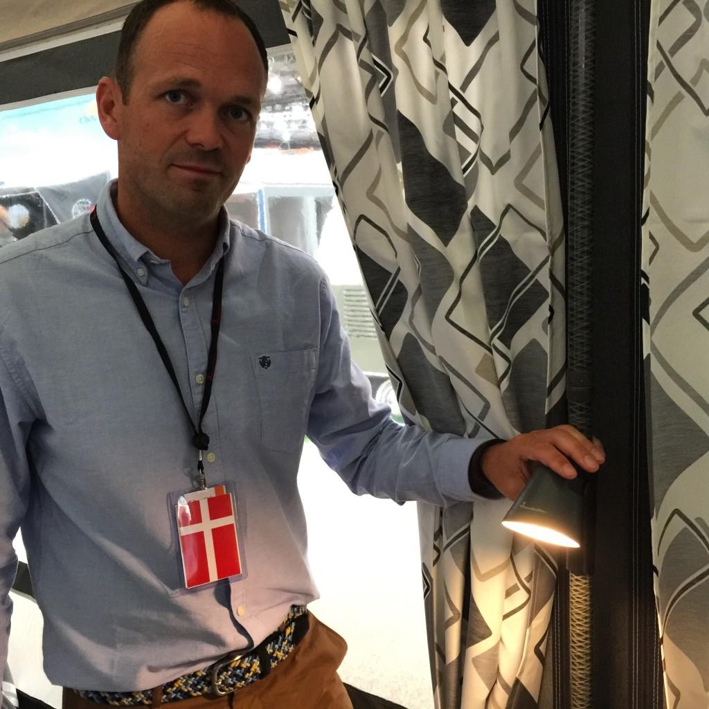 Claus Ikjær fra Isabella med den nye smarte Isabella Light