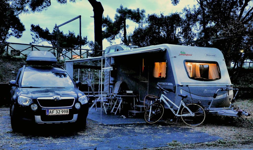 Aftenstemning på Camping Settebello i badebyen Salto di Fondi.
