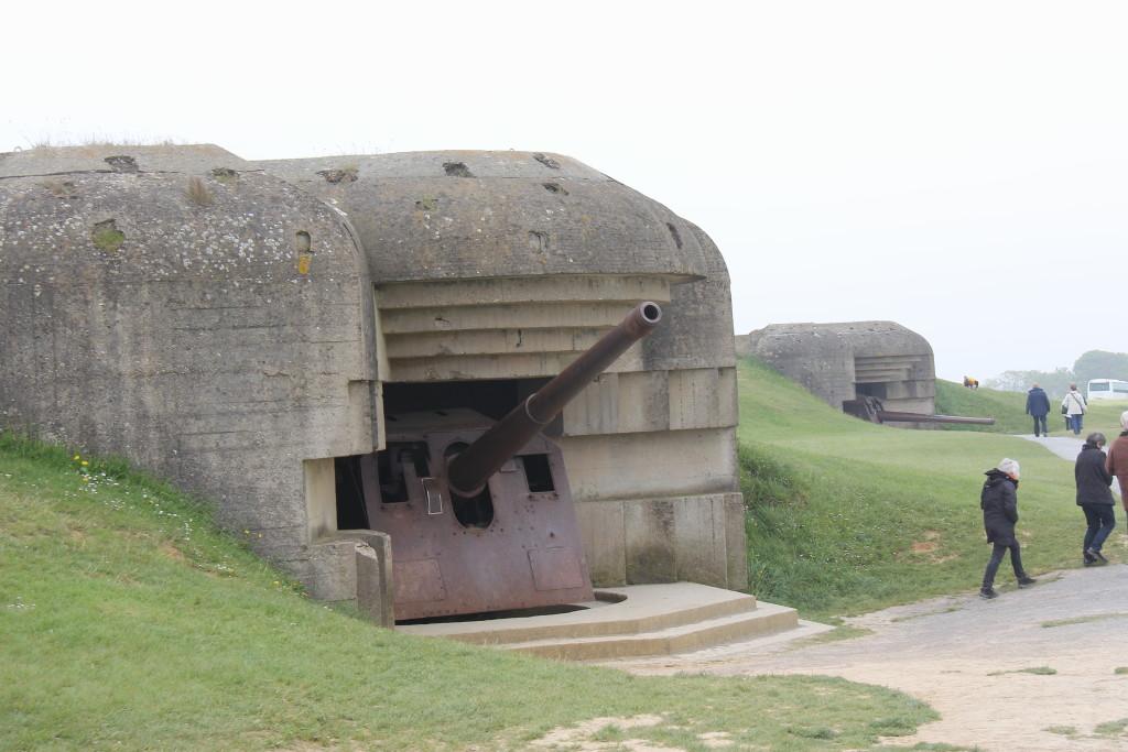 Kanonstillingen ved Longues-sur-Mer skulle sætte ud af spillet så de langtrækkende kanoner ikke kunne sænke dele af den store allierede armada af skibe på vej mod kysten.
