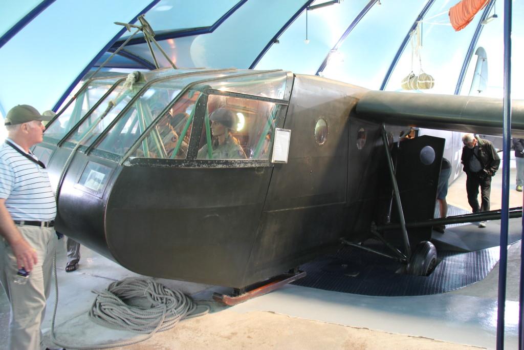 Flyet her er et Waco CG4-A svævefly (uden motor) som blev trukket fra England af bombefly, som så slap det når de var over målet. Denne type fly havde 2 piloter samt 13 soldater med udrustning.