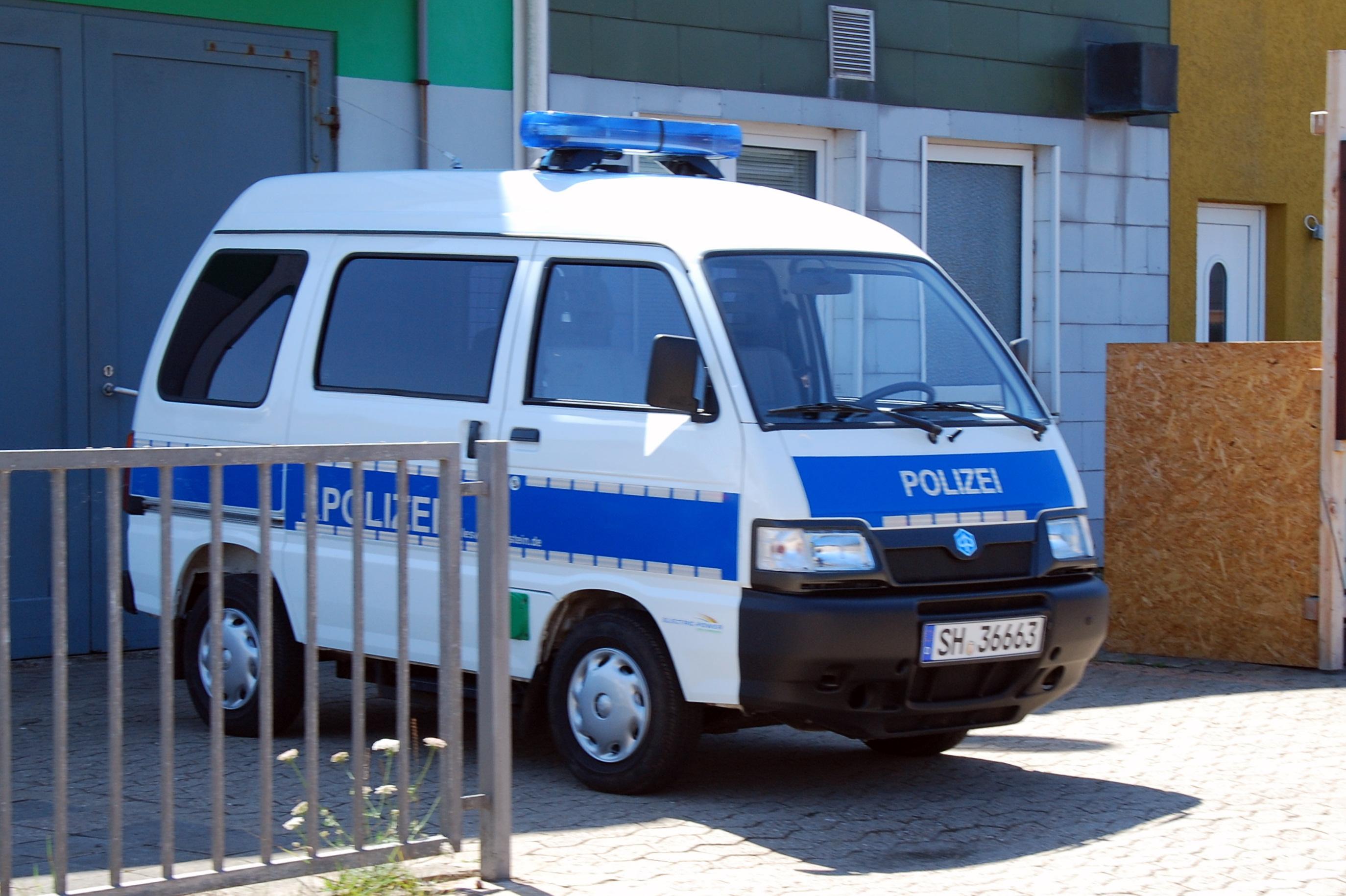 En El-Politibil, klar til udrykning.