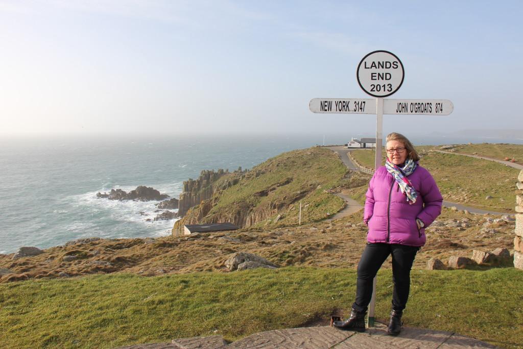 Hvis du sætter kursen mod England, vores forfædre, Vikingernes foretrukne rejsemål, så kan du bl.a. opleve Lands End, Englands sydligste punkt.