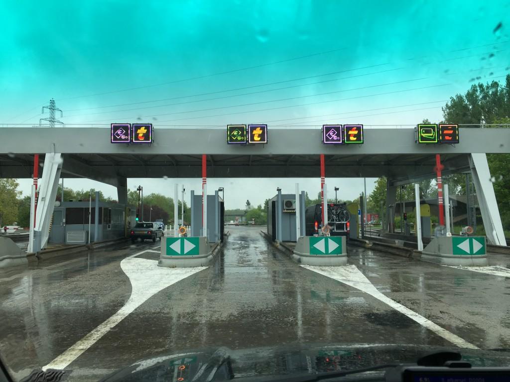 Så er vi nået til franske betalingsveje, hvor vi betaler 1 kr. pr. km.