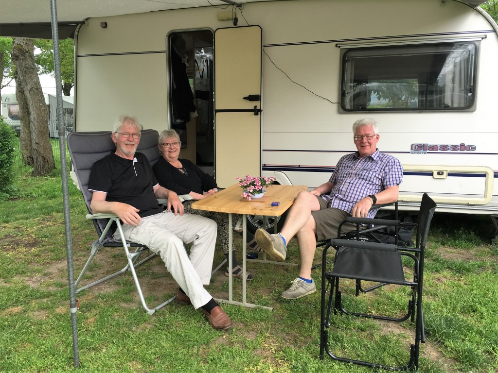 Vi hygger os med Jann og Anne som er ankommet til pladsen nogle dage tidligere.