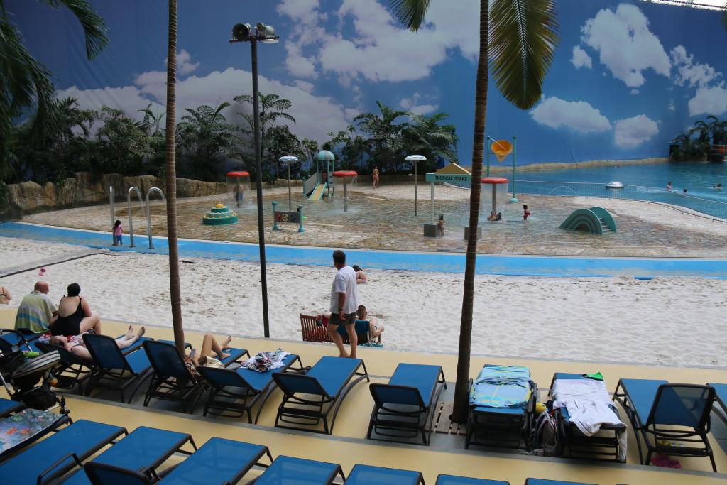 Her kan du nyde en dag på stranden og der er garanteret dejlig varmt og altid en liggestol ledig.