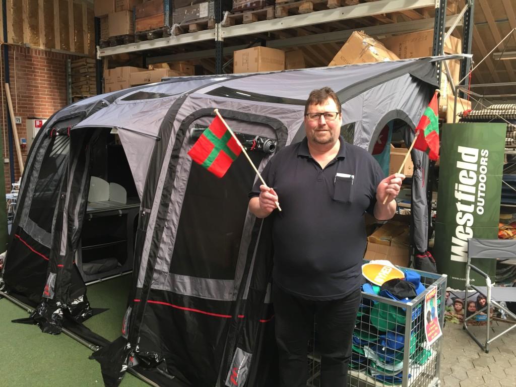 Søren, indehaver af Sørens Camping i Herning med Luftforteltet fra Westfiels, som er en af de store hovedpræmie på Sommerkaravanen.