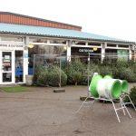 Slagelse Camping & Outdoor Center har både juletræer og julegaver