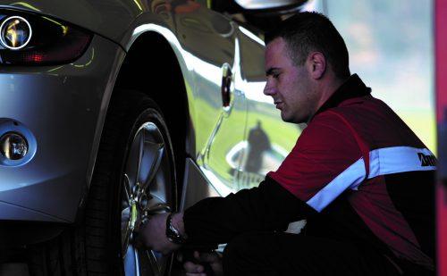 Det skal du have styr på, når du køber nye dæk til bilen