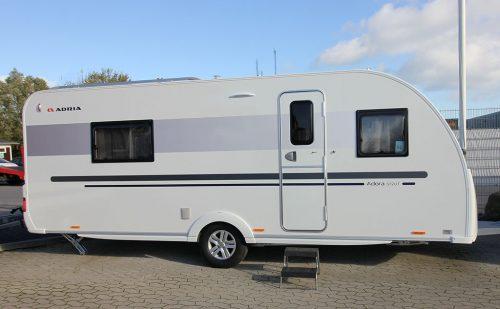 2017 Adria Adora 572 UT – Rigtig god plads for to på tur
