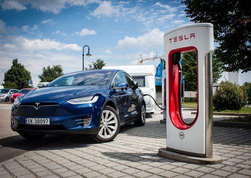 KABE-test med Tesla som det trækkende køretøj