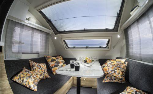 Glastag i campingvognen er et hit!