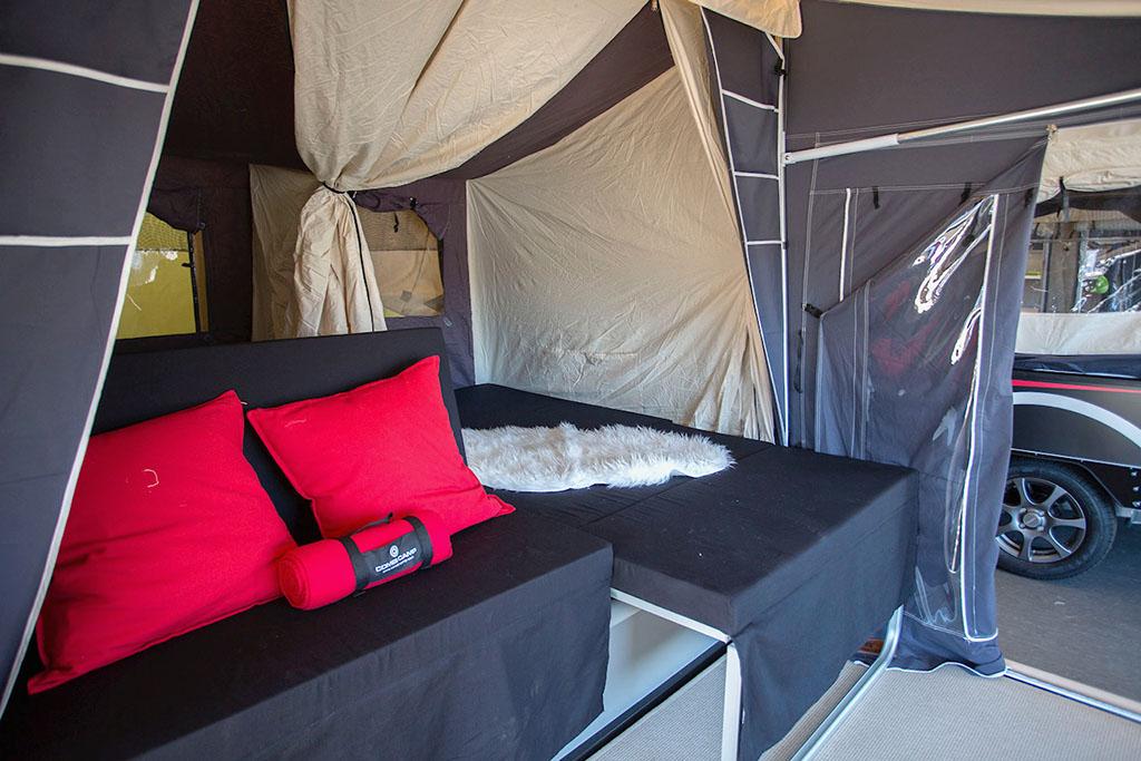 Indendørs Combi-Camp udstilling på Sjælland