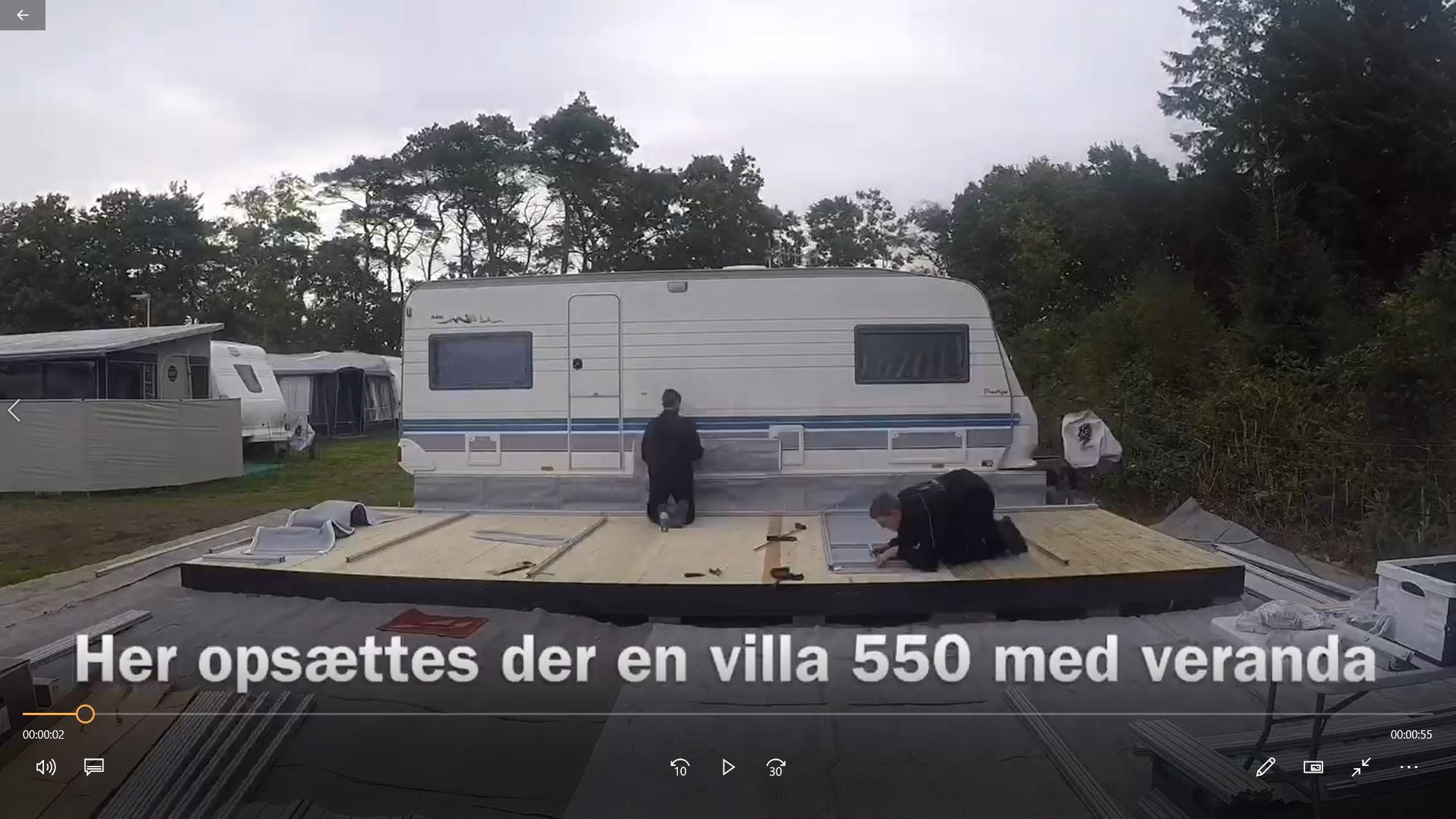 LE Camping viser opstilling af Isabella Villa helårstelt