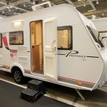 Bürstner Premio Life 480 TL vision 6.0 – Let og med masser af plads til to på tur