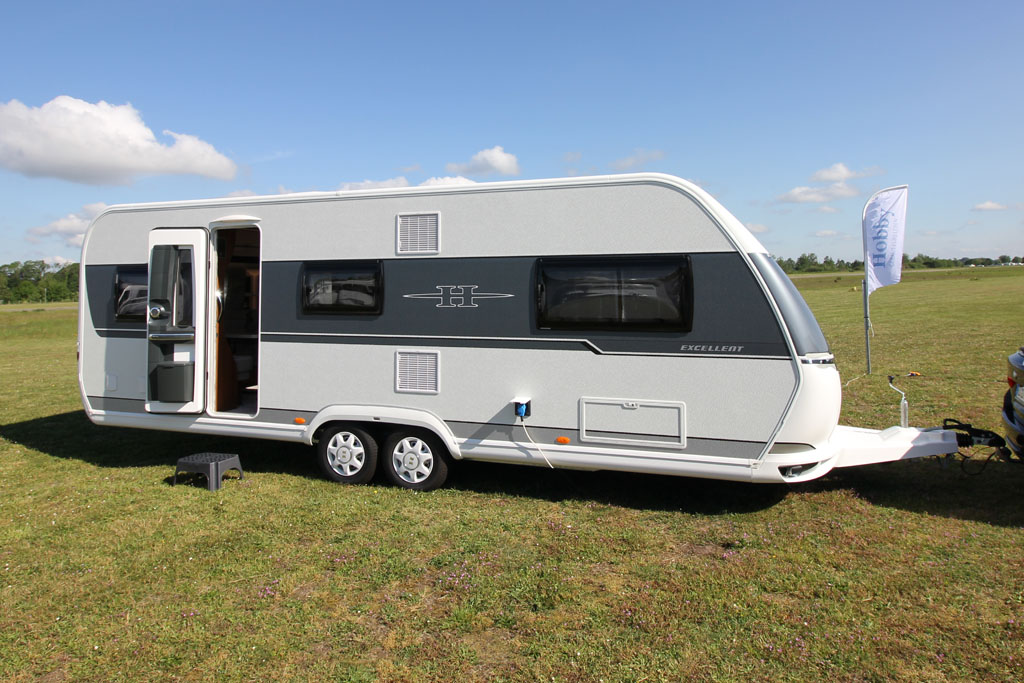 2020 Hobby Excellent 650 UMFe – Masser af plads til to på camping (Reklame)