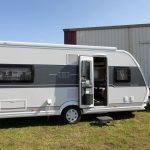 2020 Hobby Prestige 560 FC – Masser af plads for to på tur (Reklame)