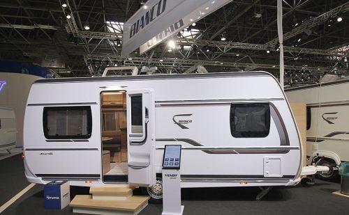 2020 Fendt Bianco Selection 465 SFB – Klassisk rejsevogn i 5 m klassen (Reklame)