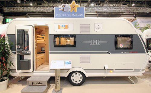 2020 Hobby De Luxe Edition 490 KMF – Komfortabel familiemodel for fire på camping
