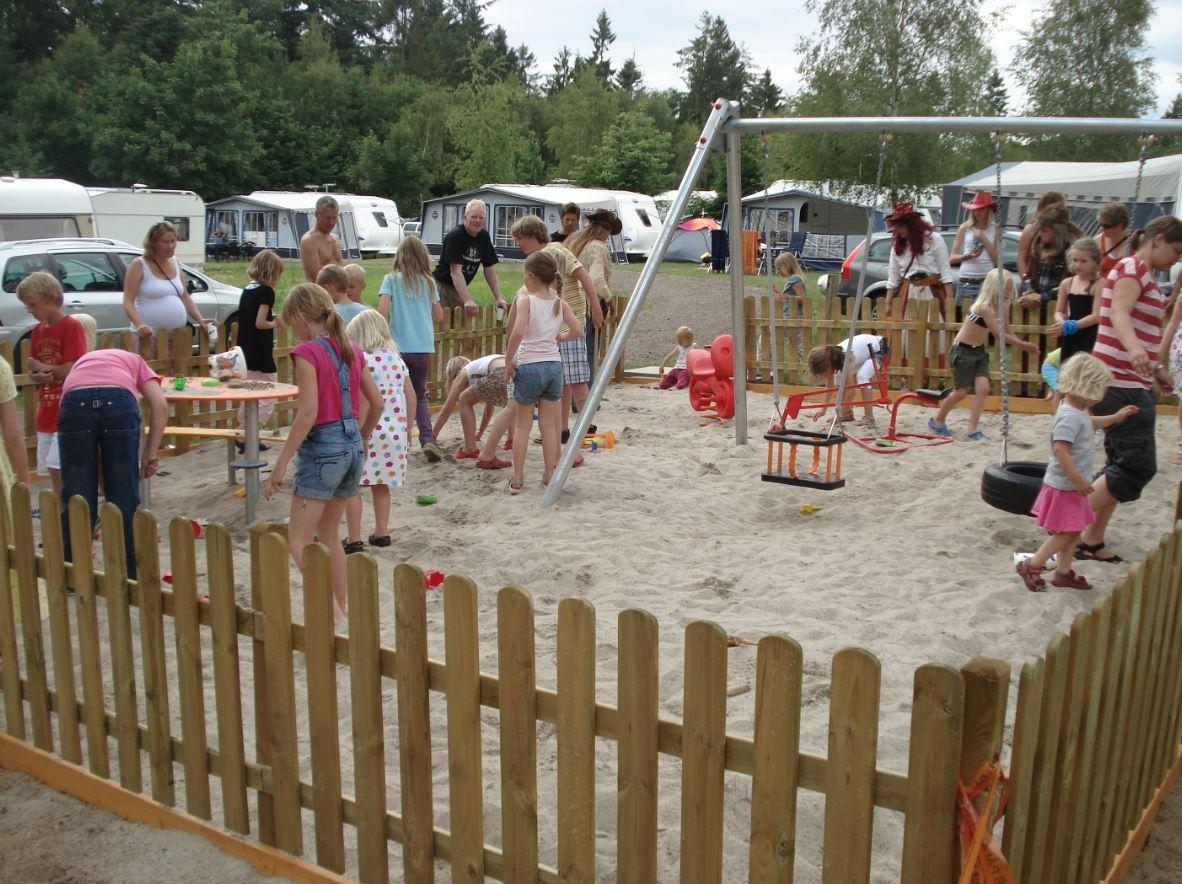 Elite Camp Vestbirk - familiens campingplads (Reklame)