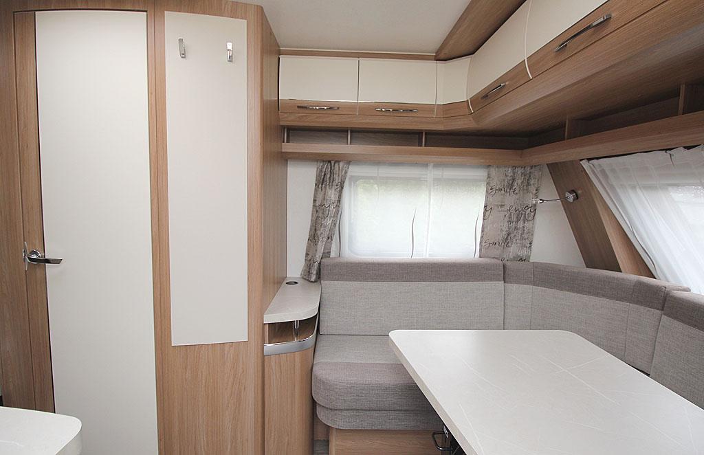 2021 Hobby De Luxe 460 LU