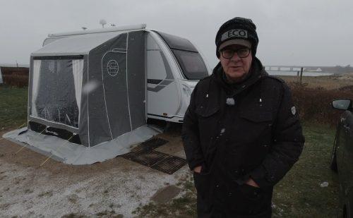 Sidste nyt – Status fra Peer Neslein der tester vinter fortelte på sin Knaus på Storebælt Camping