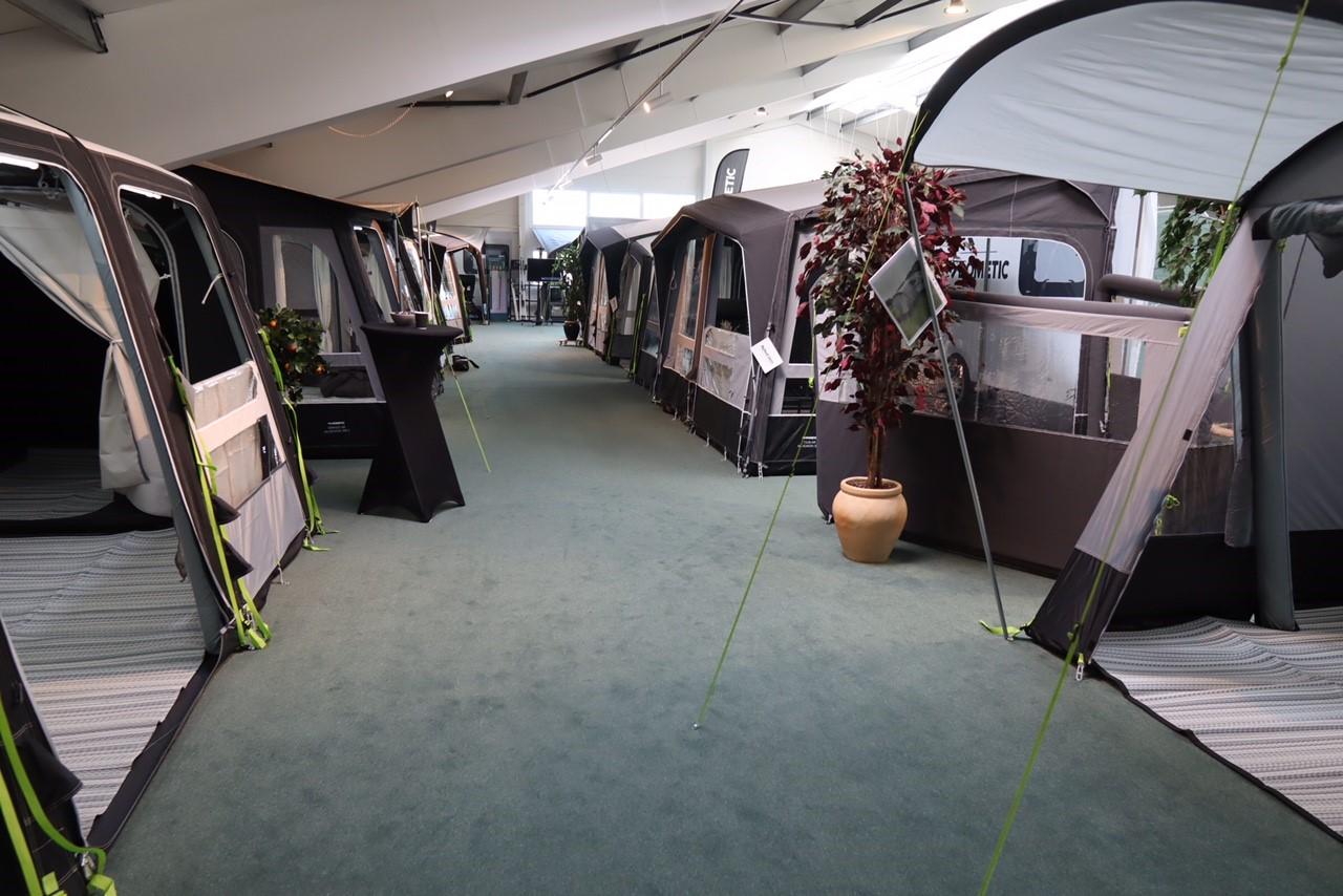 Camping Agenten har bygget kæmpe showroom (reklame)